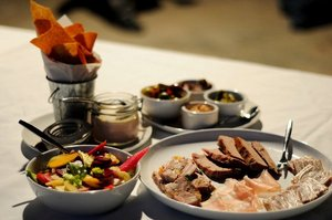 Pigs_and_Pinot_2011_Spoonbar.jpg