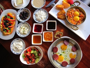pera-turkishbreakfast.jpg