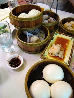11_Hong_Kong_lounge_Feast.jpg
