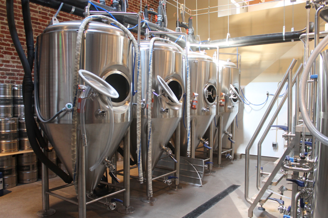 Beer Levels Rising First Look At Cellarmaker Brewing