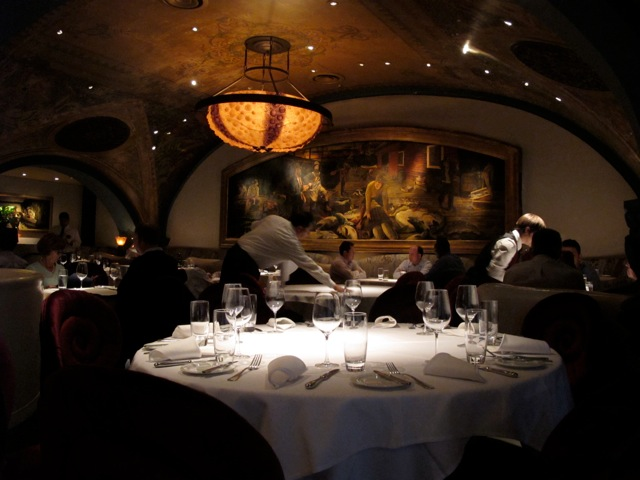 http://www.tablehopper.com/chatterbox/assets/farallon-dining.jpg
