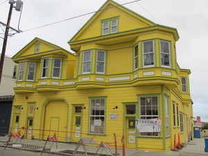 yellowbuilding.JPG