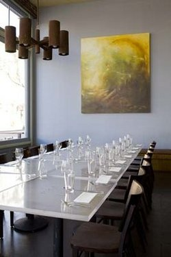 B_Restaurant_large_table.jpg