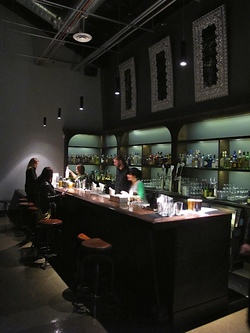 4-missionbowlingclub-bar.jpg