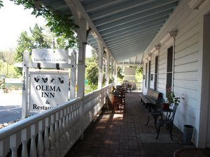 Olema_Inn_Patio_Yelp_HelenS_01.jpg