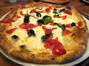 3-farinapizzeria-pizza.jpg