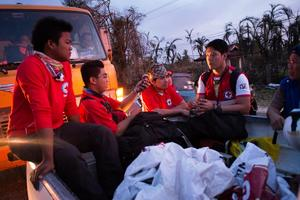 Red_Cross_Volunteers_Philippines.jpg
