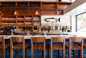 02_FerrySeafood_bar_KMelom.jpg