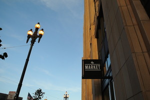 01_Market_on_Market_ext_sign.JPG