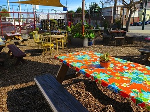 allgoodpizza-patio.jpg