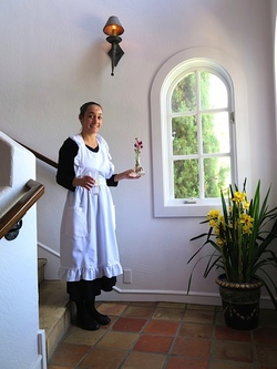 4h-chateaudusureau-chambermaid.jpg