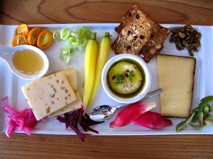 2-chocolatelab-cheese-plate.jpg